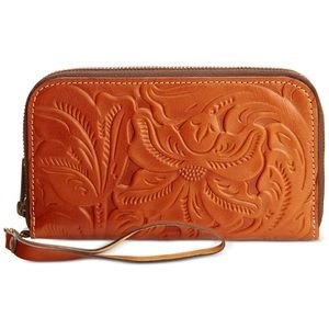 Patricia Nash NWOT Biscay wallet clutch